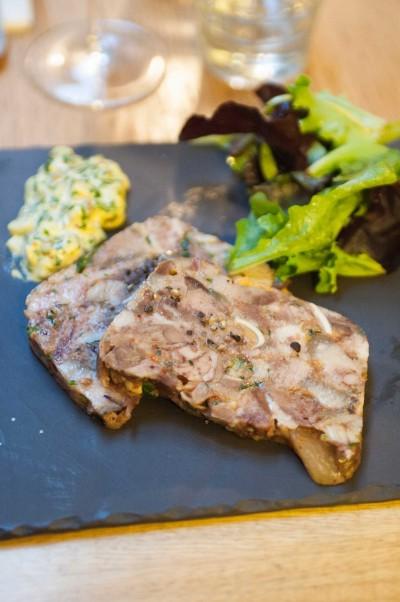 Pâté de tête de cochon noir de Bigorre maison, sauce gribiche