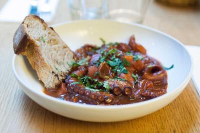 Ragoût de poulpe à la méditerranéenne, piment